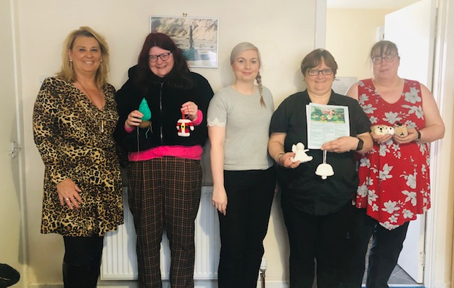 Dianne Beagrie, Sarah, Jackie Matthew, Isobel Robertson, Alison Maclean begin knitting and crocheting items to decorate the town tree