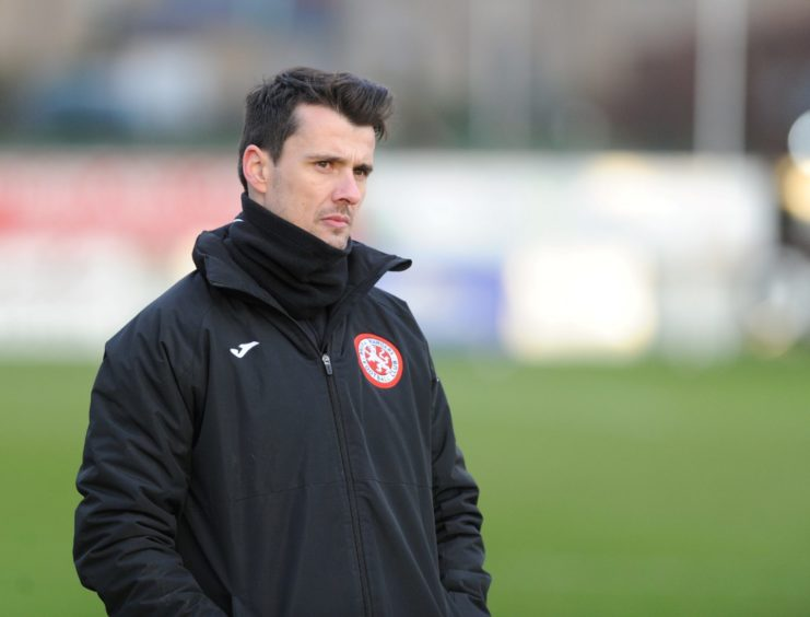 Brora manager - Steven Mackay Picture by JASON HEDGES