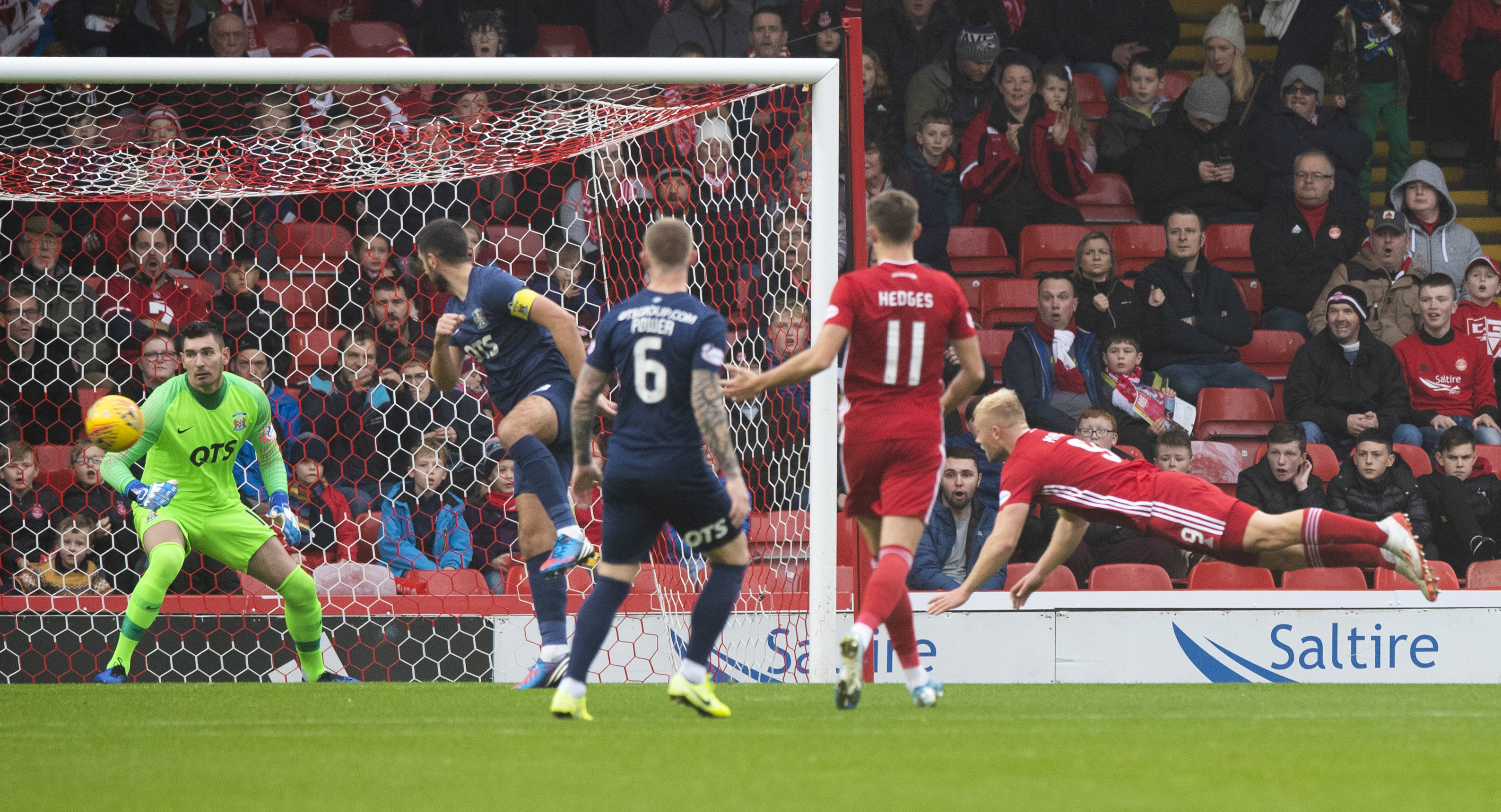 Curtis Main (R) heads home to make it 1-0 to Aberdeen