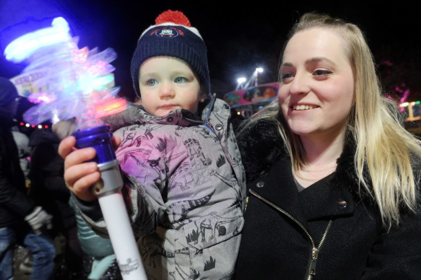 Riley Taylor (2) of Slackbuie, Inverness takes it all in with mum Tanita. Picture by Sandy McCook.