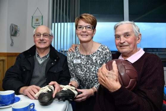 KATHY FRASER OF ALZHEIMER SCOTLAND WITH FRANK CHALMERS (L) AND DANNY MOWATT AT THE FOOTBALL MEMORIES PROJECT AT PETERHEAD FC