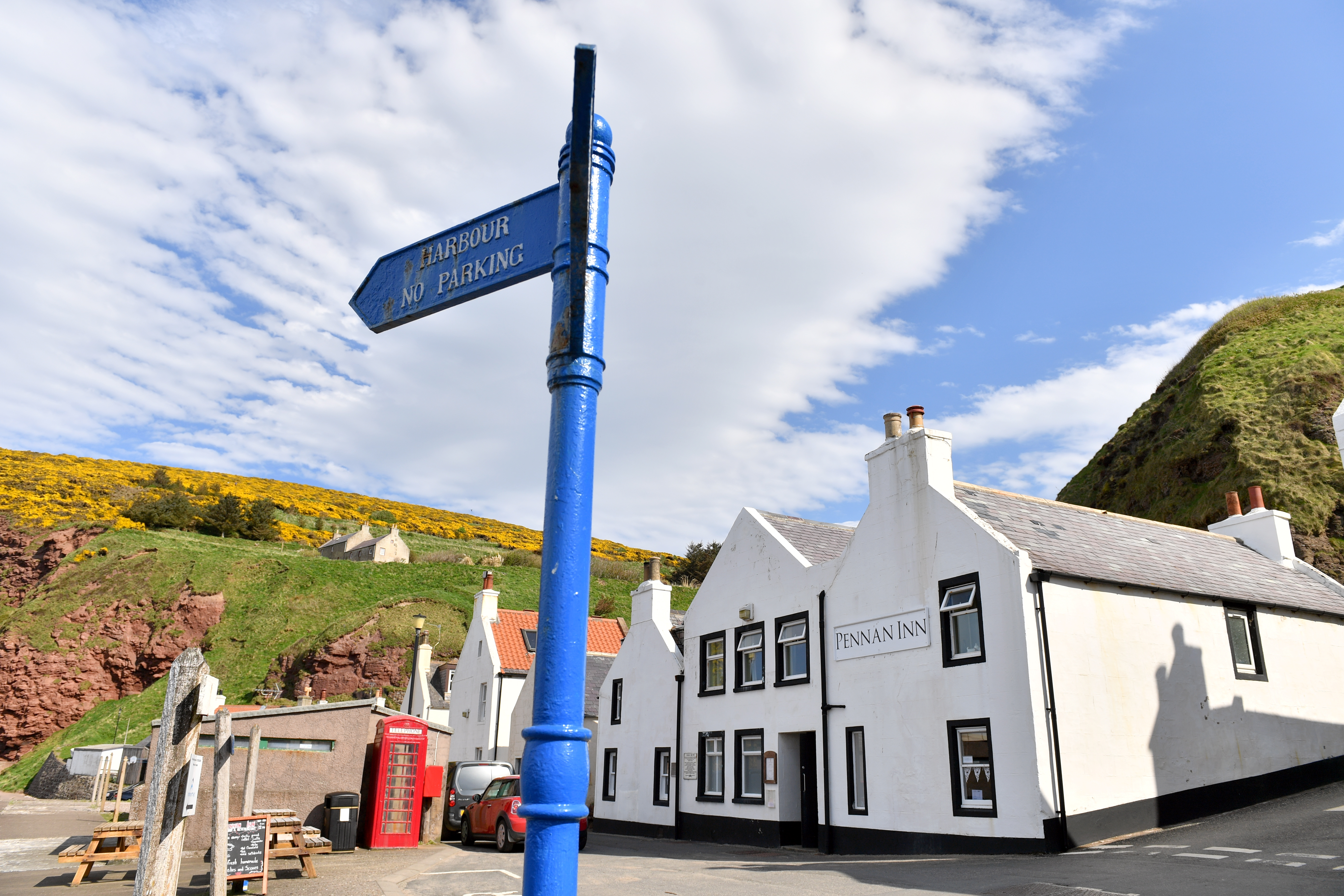 The Pennan Inn Picture by Kami Thomson