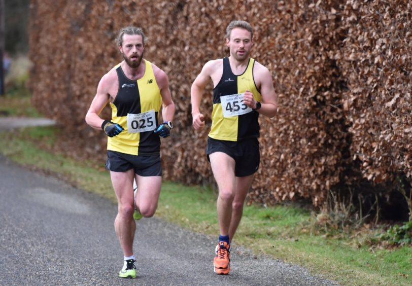 Lumphanan Detox 10k - Hamish Battle (left) and Ben Ward. Picture by COLIN RENNIE