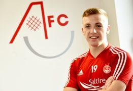Lewis Ferguson urges Aberdeen team-mates to ease burden on Sam Cosgrove