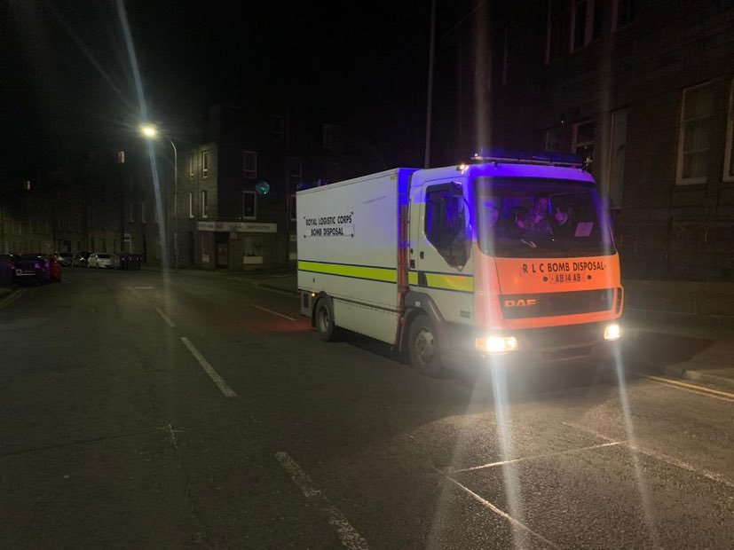 Bomb disposal unit arriving at the scene