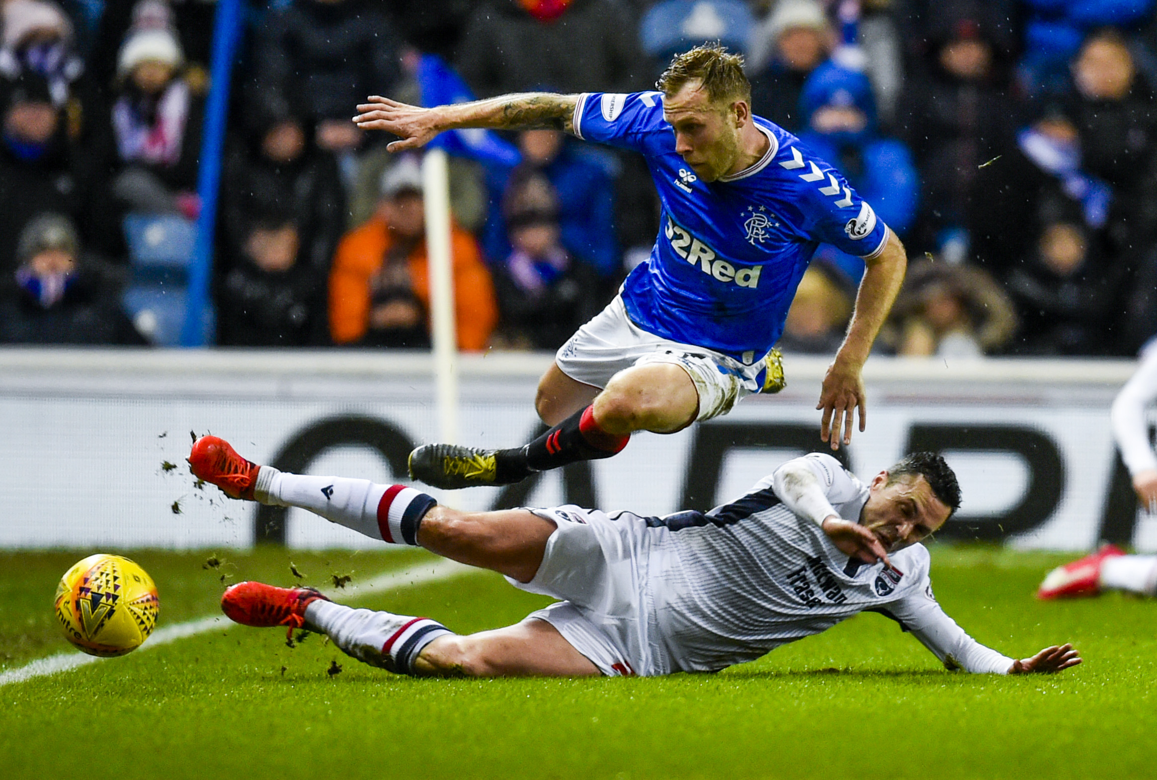 Ross County midfielder Don Cowie in action against Rangers.