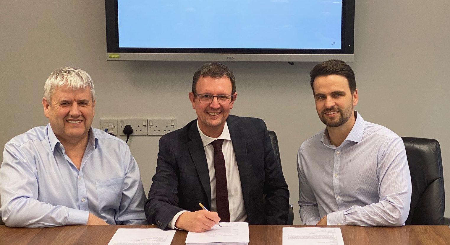 L-R: RSE Group managing director, Allan Dallas; Aciem managing director, Martin Whitfield, and: Envoy managing partner, Iain MacGregor.