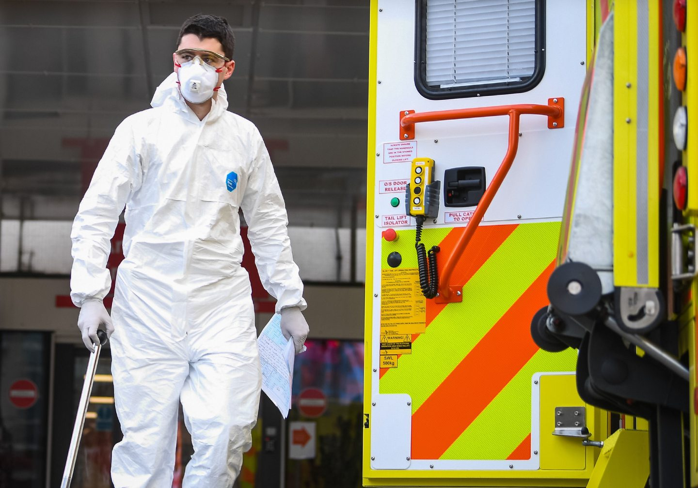 A paramedic wearing personal protective equipment (PPE)outside St Thomas' Hospital in Westminster, London, as the UK continues in lockdown to help curb the spread of the coronavirus.