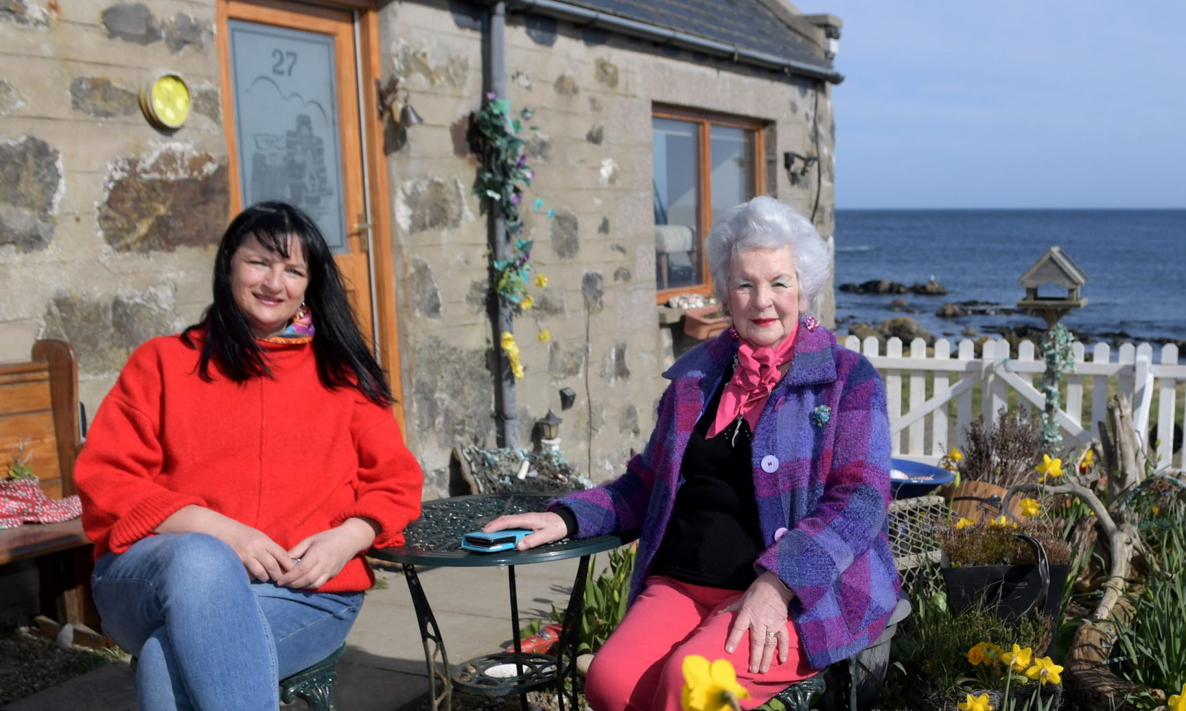 Susan Emmison and her mum Isobel Gregory. Picture by Kath Flannery.