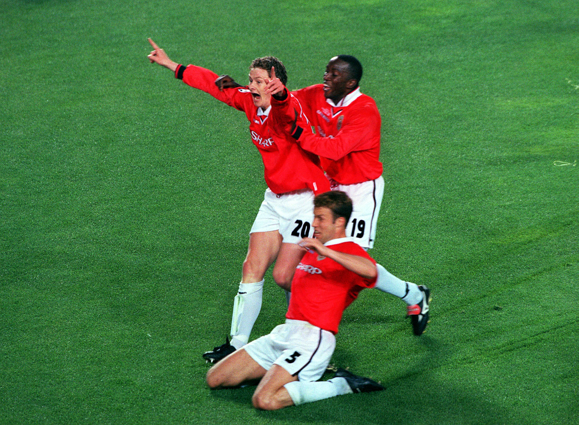 Ole Solskaer celebrates scoring the winner for United Manchester United against Bayern Munich in the 1999 Champions League Cup Final