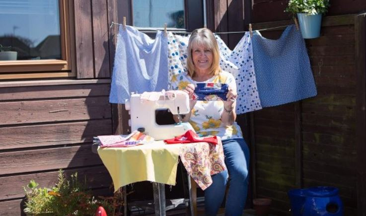 Elizabeth Oates has been making scrubs to donate to NHS workers and carers.
