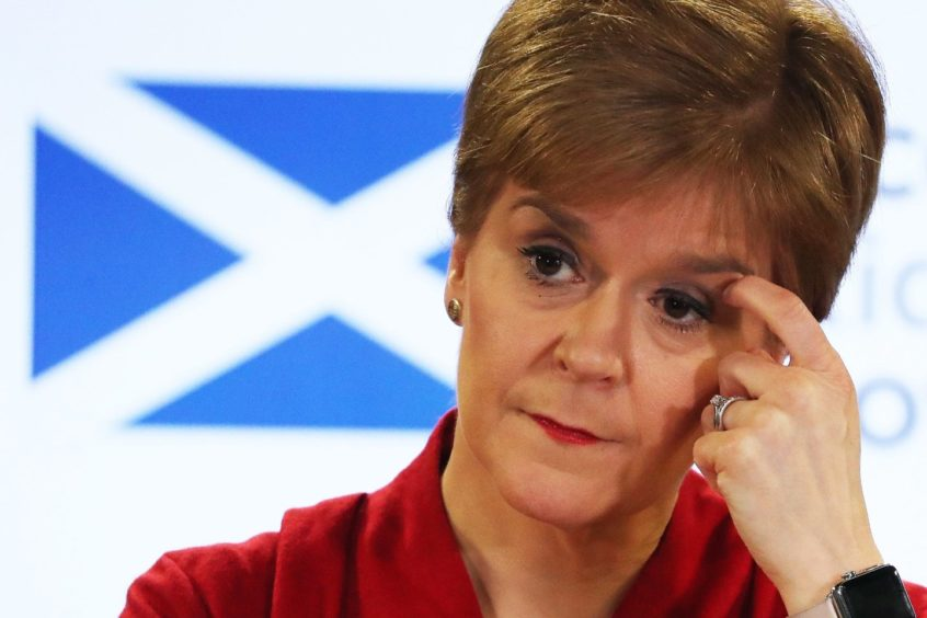 Nicola Sturgeon has called for a common sense approach to visiting family.
