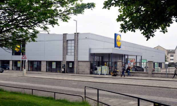Proposals have been lodged to open a Screwfix counter in an unused part of the Lidl store on Hutcheon Street