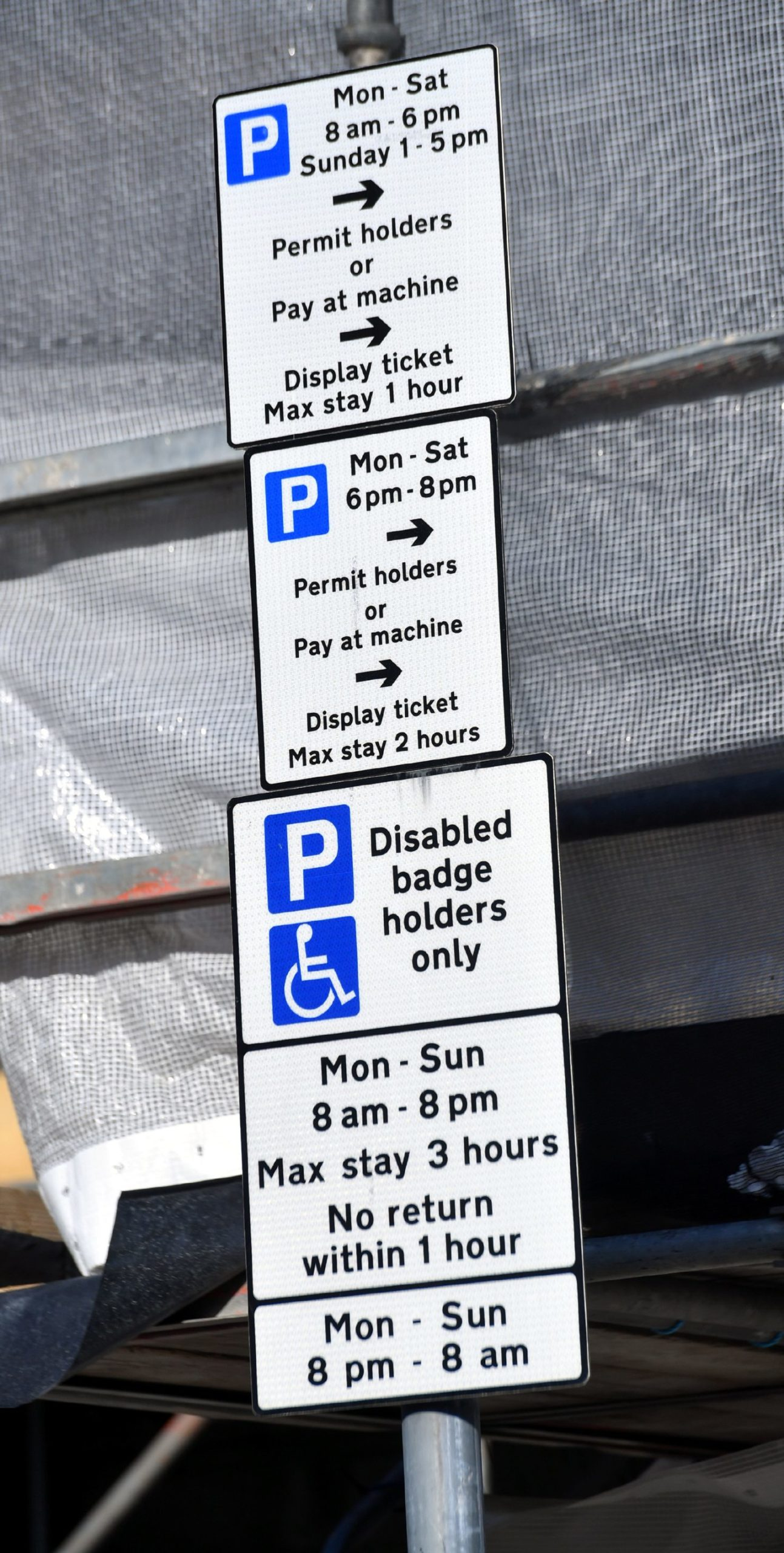 CR0020934 Stock Parking signs in Aberdeen. Pic by...............Chris Sumner Taken...............15/04/2020