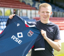 New Ross County recruit Kelly aiming to catch the eye of both managers
