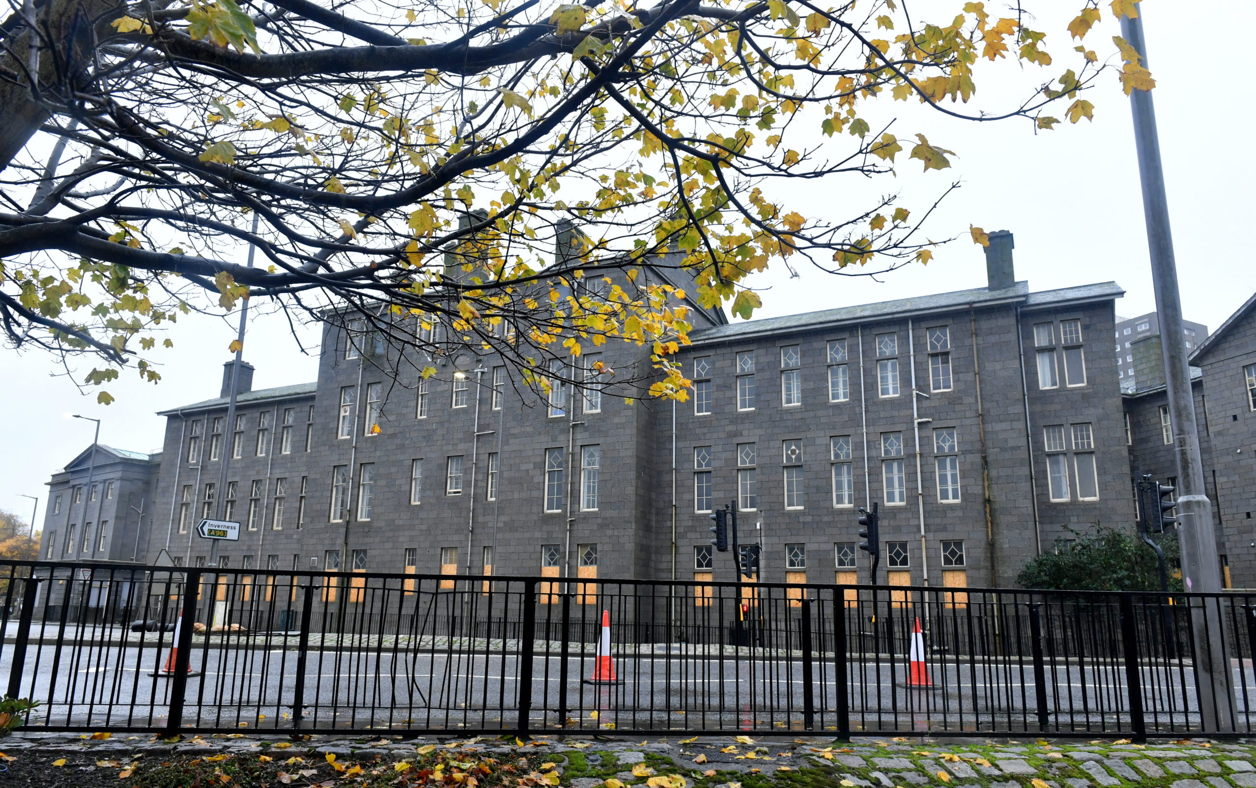 Plans for the Stephen Pavilion at Woolmanhill Hospital are to be reviewed.