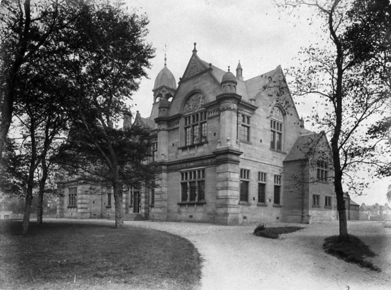 Inverness Royal Academy 1895, courtesy of the Andrew Paterson Collection