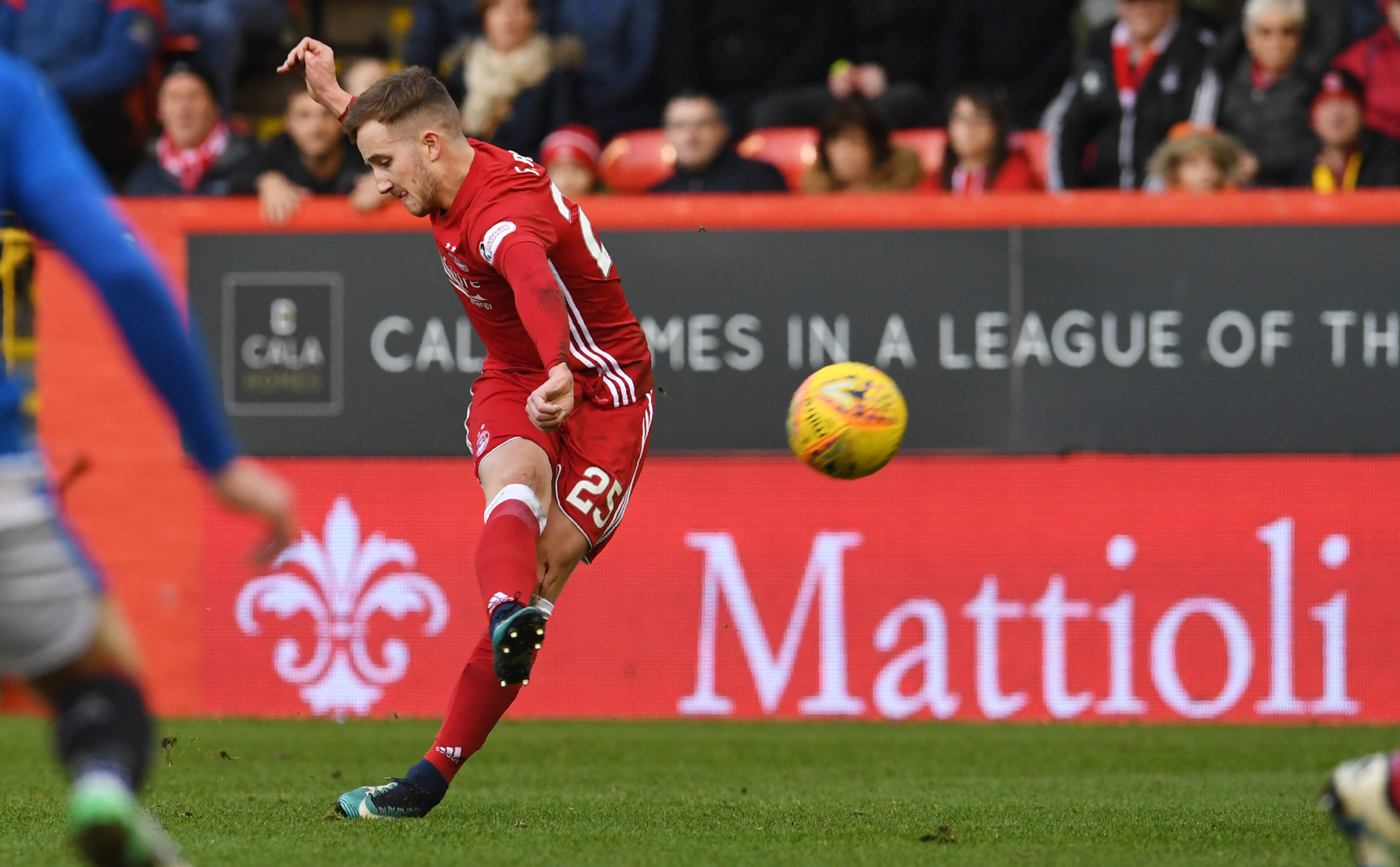 Frank Ross strikes his free-kick against Rangers