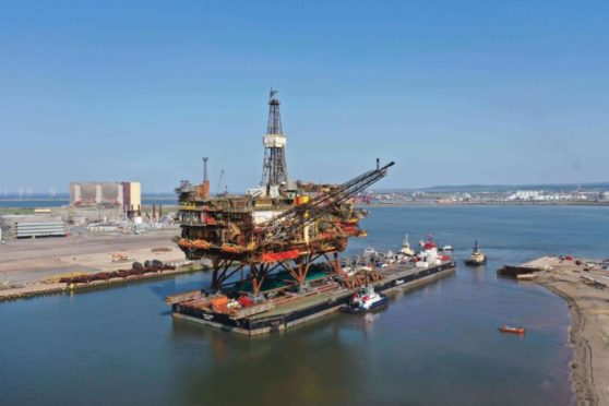 Aberdeen should use a decommissioned oil platform, like Brent Alpha, as a tourist attraction Mr Skidmore said.
