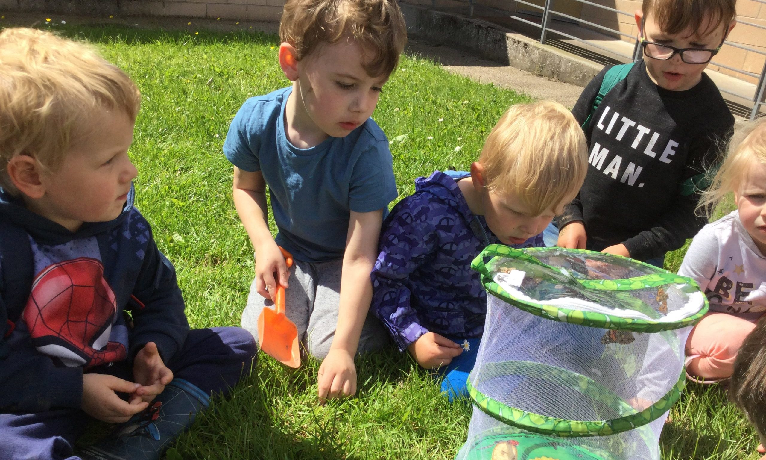 Outdoor play at Lhanbryde nursery outdoors.