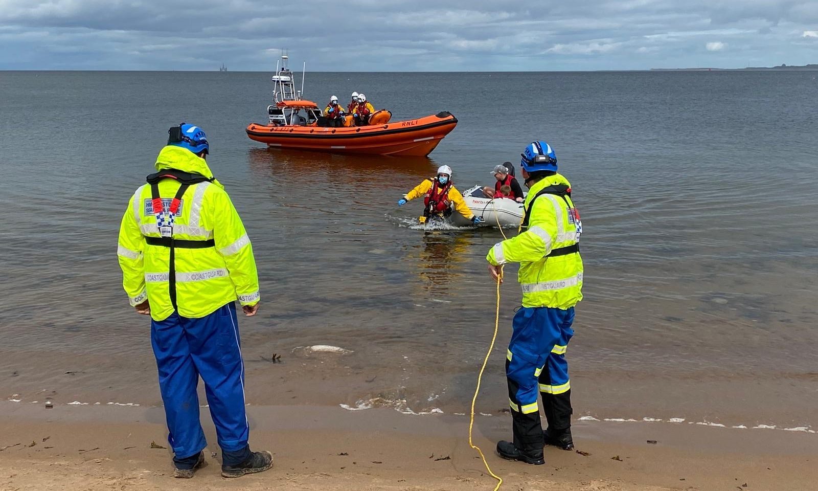 Kessock lifeboat launched to provide assistance off Rosemarkie Beach as the dinghy experienced engine failure