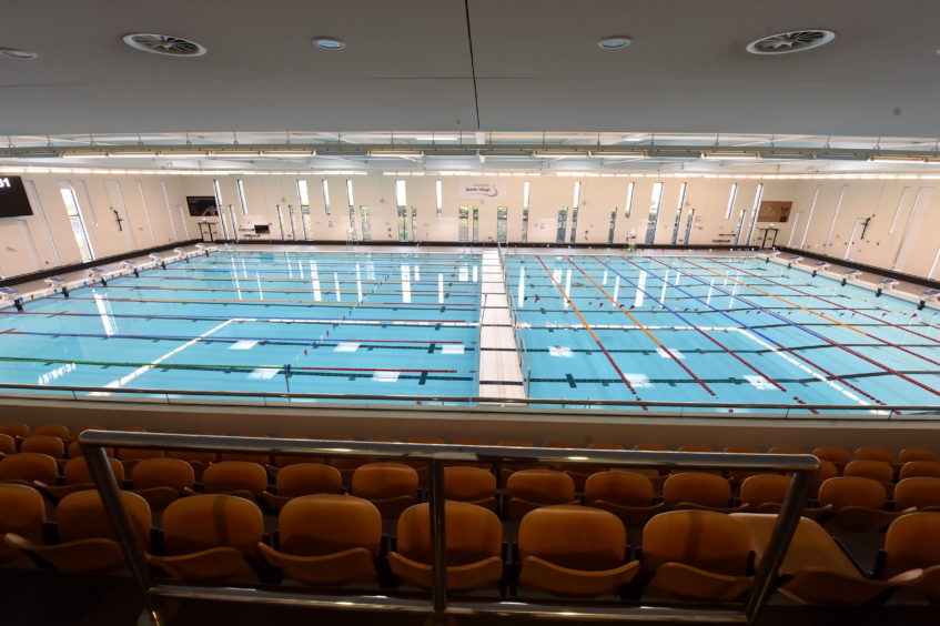 Only four people will be allowed in a swimming lane.   Picture by Kenny Elrick     28/08/2020