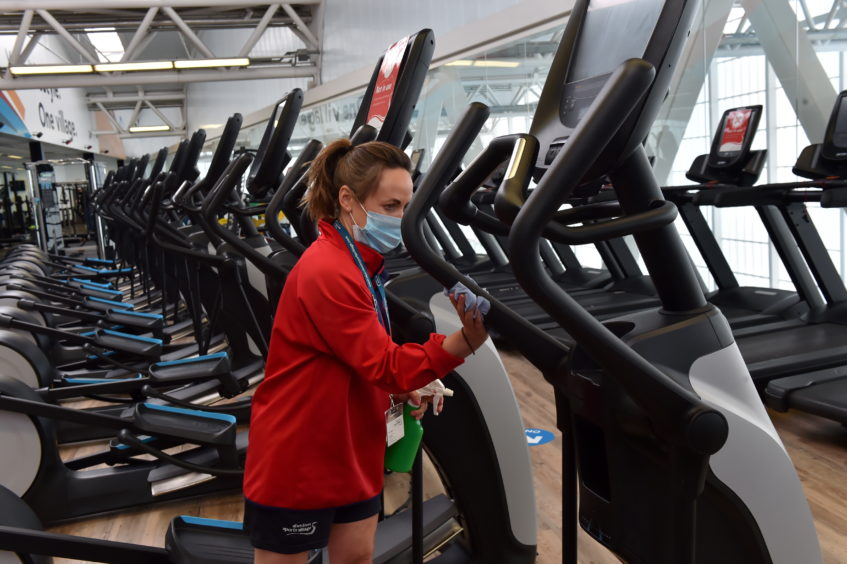Staff member, Tracey Stainer cleaning the machines.   Picture by Kenny Elrick     28/08/2020