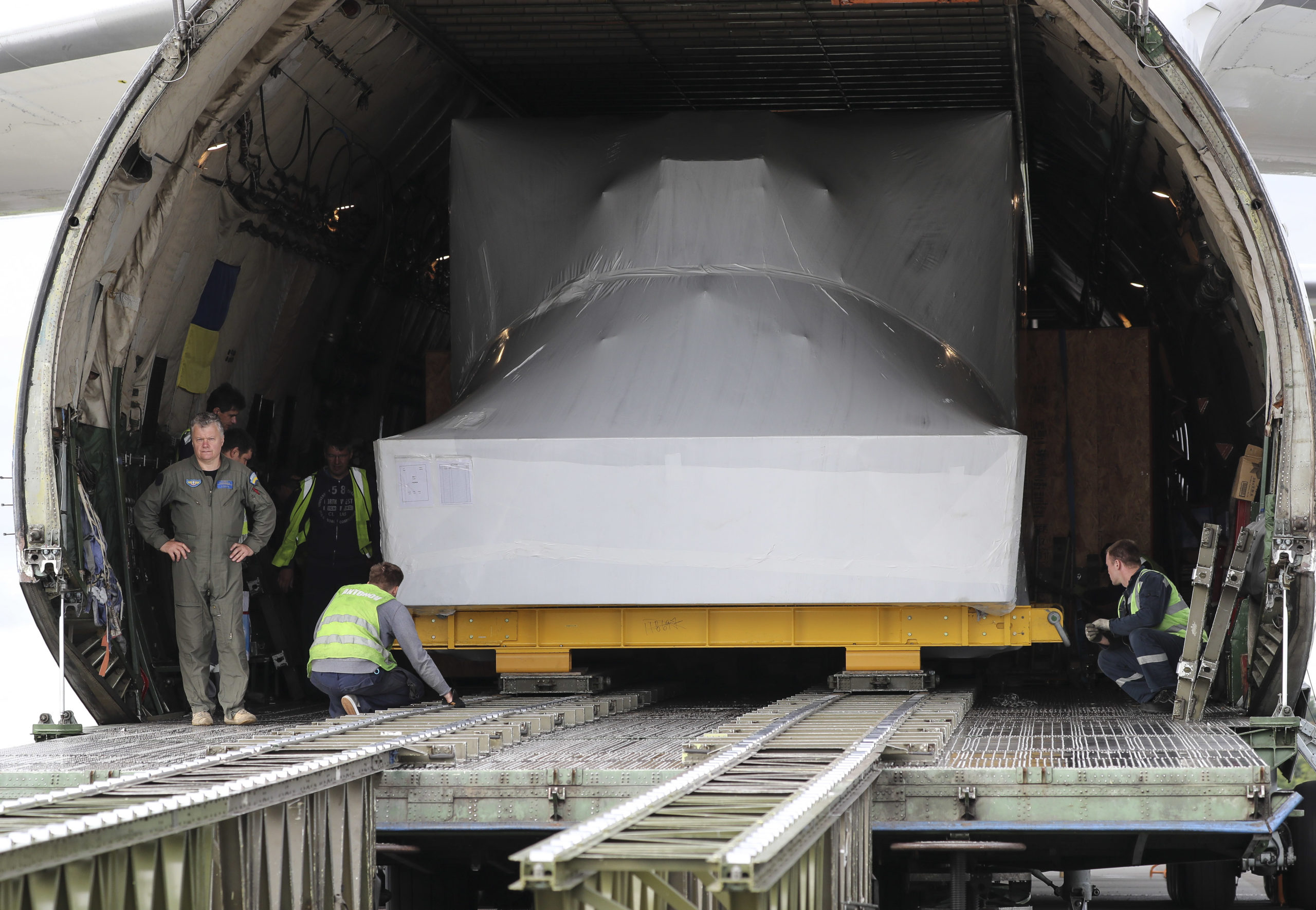The huge simulator was delivered to Prestwick Airport ahead of being delivered to RAF Lossiemouth.
