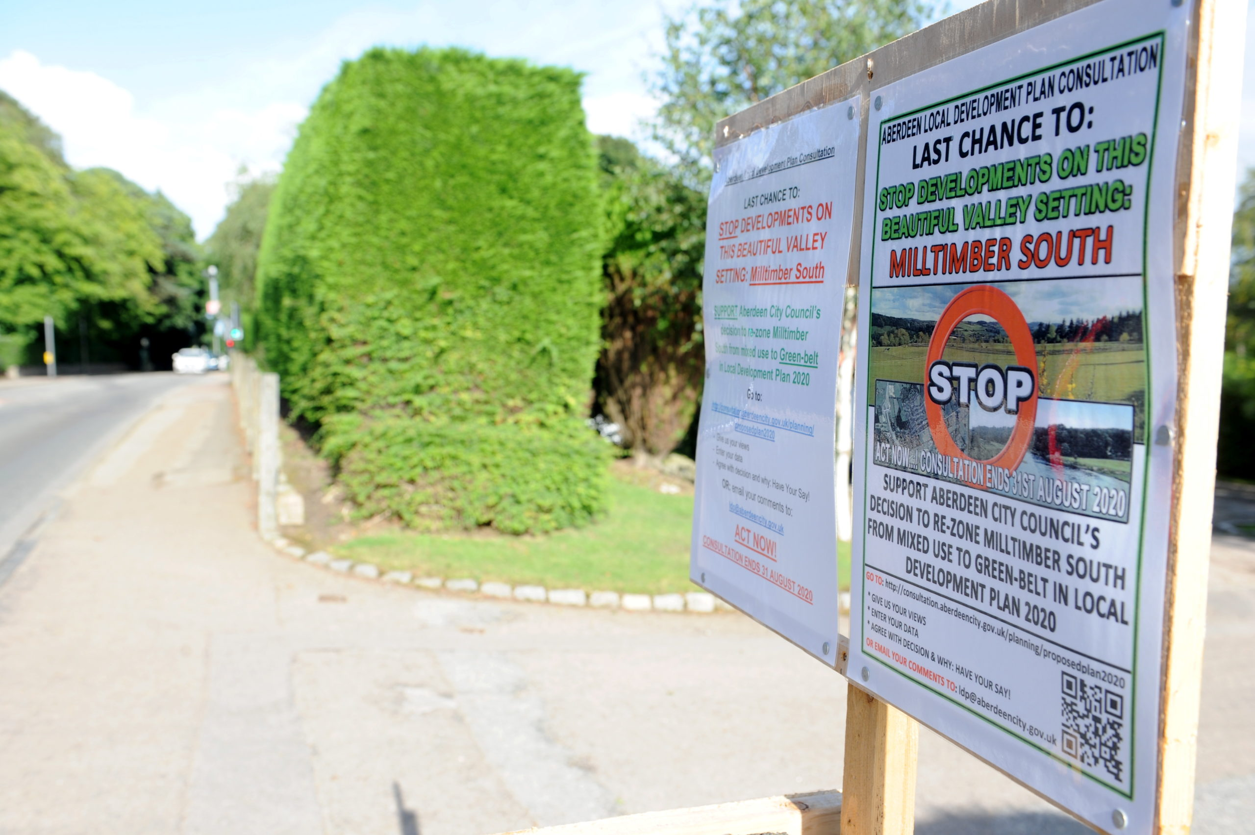 Pictured are the signs opposing the building on 100 new homes in Milltimber. This is the sign on North Deeside Road. Picture by DARRELL BENNS   Pictured on 20/08/2020 CR0023206