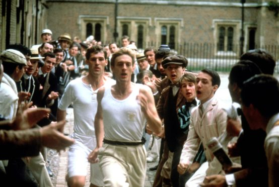 Editorial use only. No book cover usage. Mandatory Credit: Photo by 20th Century Fox/Allied Stars/Enigma/Kobal/Shutterstock (5884751y) Ben Cross, Nigel Havers Chariots Of Fire - 1981 Director: Hugh Hudson 20th Century Fox/Allied Stars/Enigma BRITAIN Scene Still Drama Les Chariots de feu