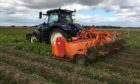 AHDB is warning about disease threats when farmers desiccate crops mechanically or with chemical alternatives to diquat.