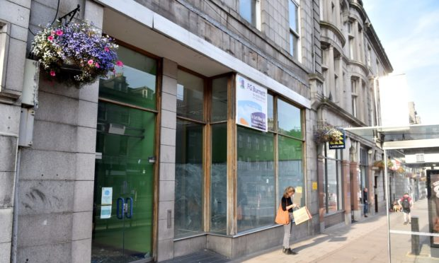 The upper floors of the C-listed 156 Union Street are to be converted into flats in a effort to help return vibrancy to the area.