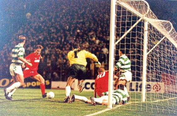 Eoin Jess secures Aberdeen's last Hampden win over Celtic in 1992.