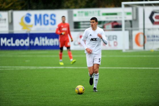 Ross Graham has joined Cove Rangers.