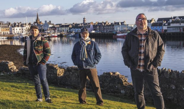 Residents in the Western Isles will mark New Year virtually as council officials prepare to live stream the first New Years Day ceilidh.