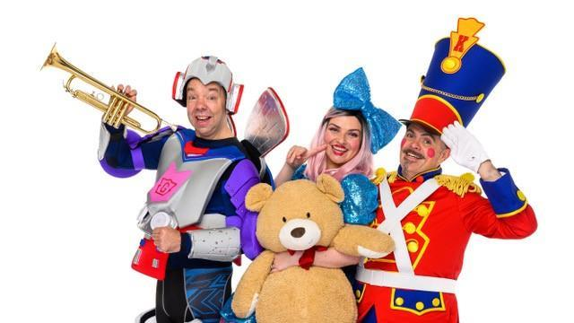 Gary Coupland will retire from Funbox after nearly 40 years in the children's entertainment industry.