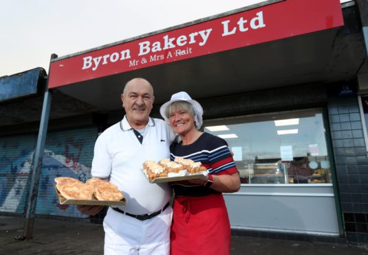 Ally and Fiona Rait outside the Byron bakery. Picture by Scott Baxter