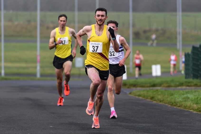Sean Chalmers, Aberdeen-based member of Inverness Harriers, ran fastest 5k of his career at the Run and Become Sri Chinmoy Invitational 5k at the Fife Cycle Park near Lochgelly.