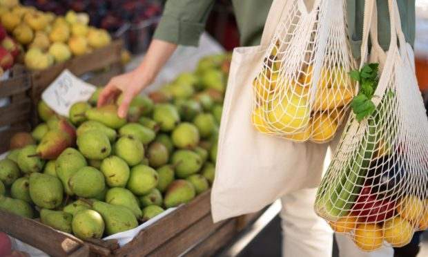 Shoppers plan to buy more local produce this Christmas.