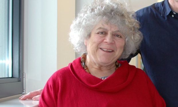 Miriam Margolyes will present a special reading for the VSA Christmas event.