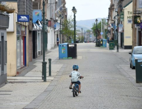 Fort William High Street will get new bins and planters thanks to town centre funding