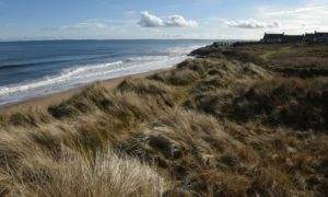Controversial plans for a 'world class' golf course at Coul Links in Sutherland could be back on.