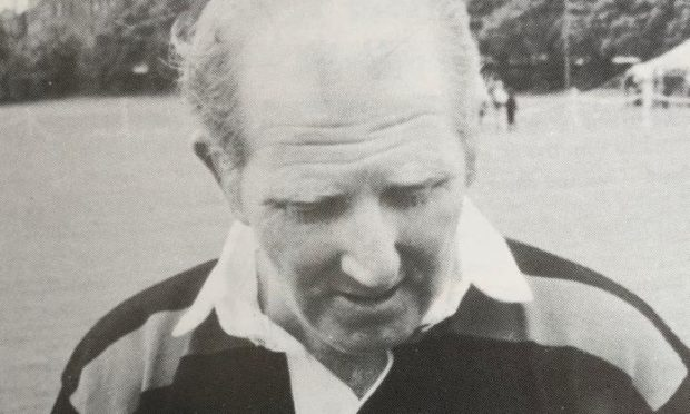 Shinty legend Dougie MacIntyre Senior has died at the age of 89.