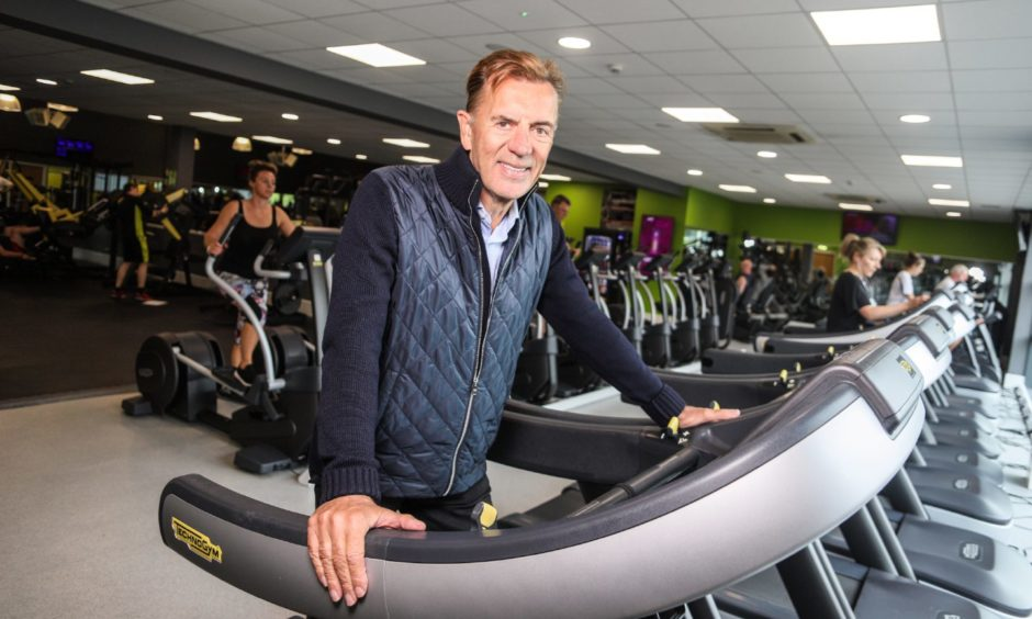 Duncan Bannatyne is calling for gyms and leisure facilities to be allowed to help the nation recover from the latest Covid lockdown.