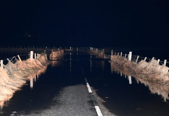 The flooding/road closure on the B977 between Kintore and Wester Fintray.  Pictured by Darrell Benns