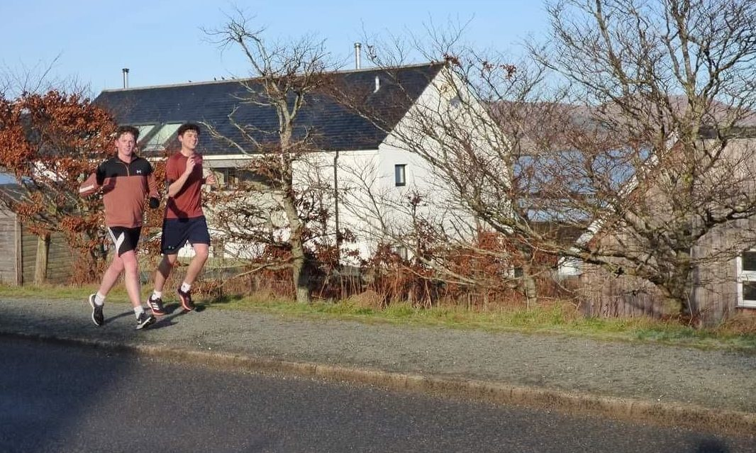 Donald Fraser (right) and Max Stancliffe during their fundraising marathon for Rach.