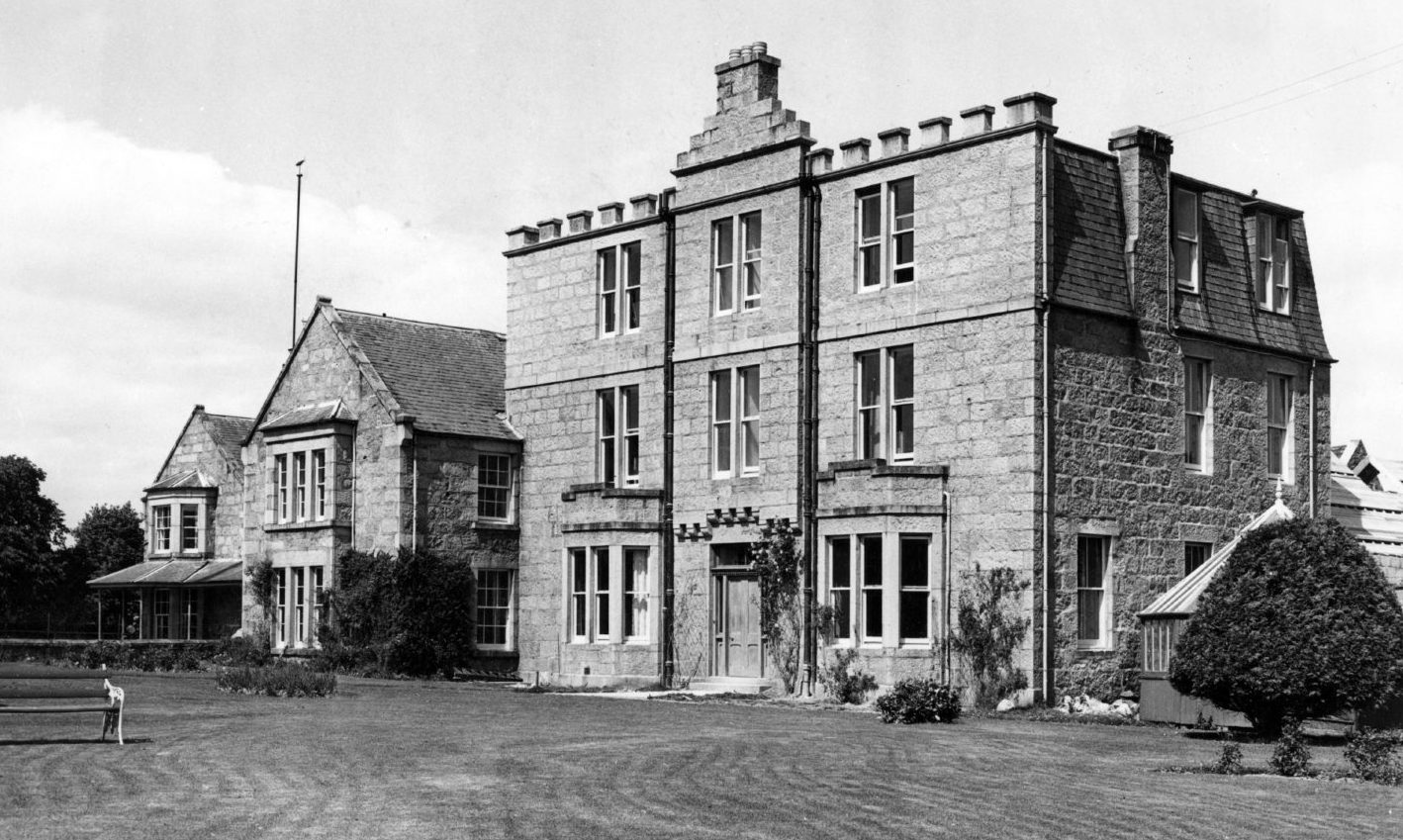 The Huntly Arms Hotel in Aboyne, photographed in June 1949.