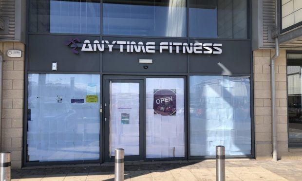 Fears Anytime Fitness gym in Elgin has shut without ...