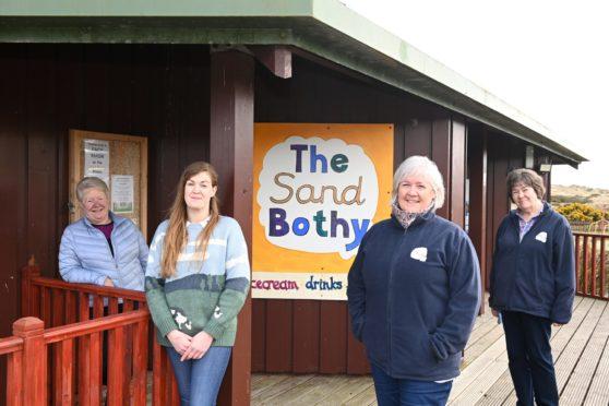 Volunteers: Rosemary Nixon, Joni Corbett, Fiona Winstanley and Rosie Nicol