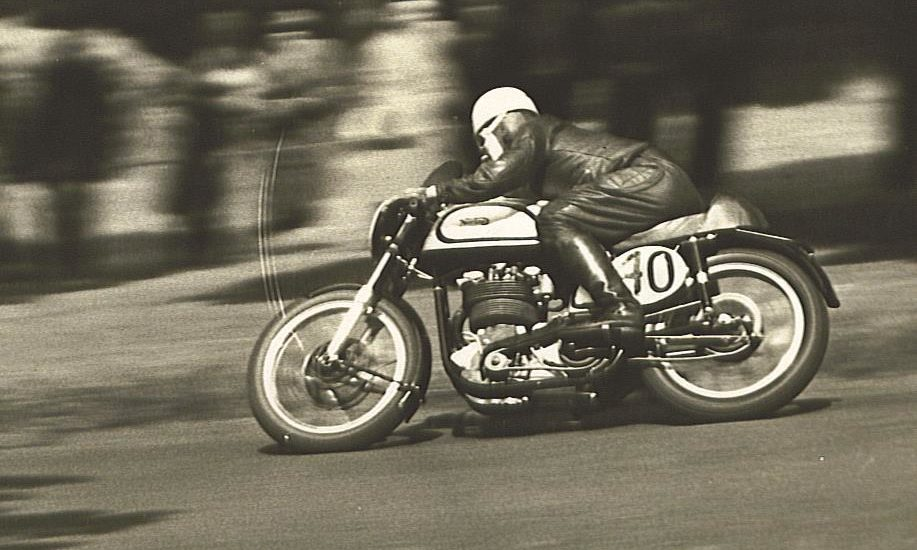 Eck going down 'The Snake' on his way to winning the 500 Scottish at Beveridge Park in Kirkcaldy.